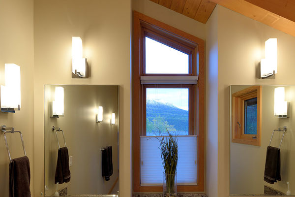 Alpine-Trail-British-Columbia-Canadian-Timberframes-Bathroom