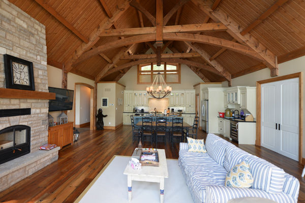 Cozy-Inlet-Kawartha-Lakes-Ontario-Canadian-Timberframes-Great-Room