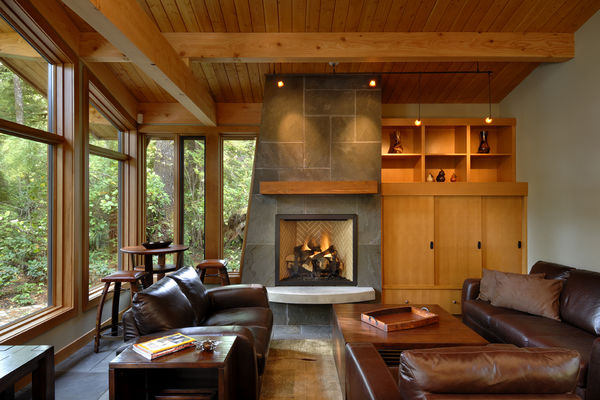 Nestled-Retreat-Tofino-British-Columbia-Canadian-Timberframes-Great-Room