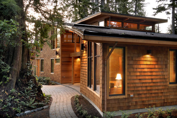 Nestled-Retreat-Tofino-British-Columbia-Canadian-Timberframes-Exterior-Siding