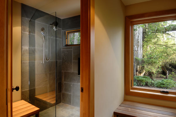 Nestled-Retreat-Tofino-British-Columbia-Canadian-Timberframes-Bathroom