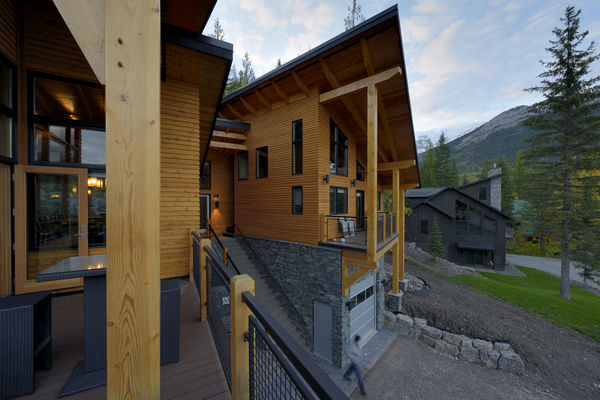 Alpine-Trail-British-Columbia-Canadian-Timberframes-Deck-Siding